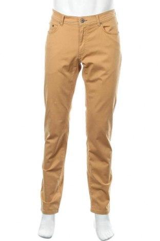 Ανδρικό παντελόνι Brax, Μέγεθος M, Χρώμα Κίτρινο, 97% βαμβάκι, 3% ελαστάνη, Τιμή 49,87€