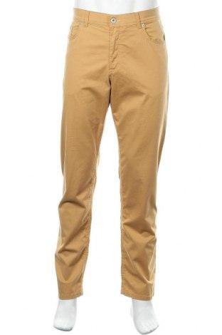 Ανδρικό παντελόνι Brax, Μέγεθος L, Χρώμα Κίτρινο, 97% βαμβάκι, 3% ελαστάνη, Τιμή 46,01€