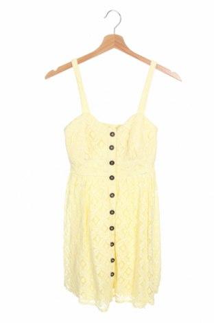 Φόρεμα Charlotte Russe, Μέγεθος XS, Χρώμα Κίτρινο, Πολυεστέρας, Τιμή 14,36€