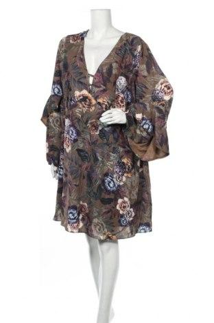 Φόρεμα City Chic, Μέγεθος 4XL, Χρώμα Πολύχρωμο, 95% πολυεστέρας, 5% ελαστάνη, Τιμή 18,84€