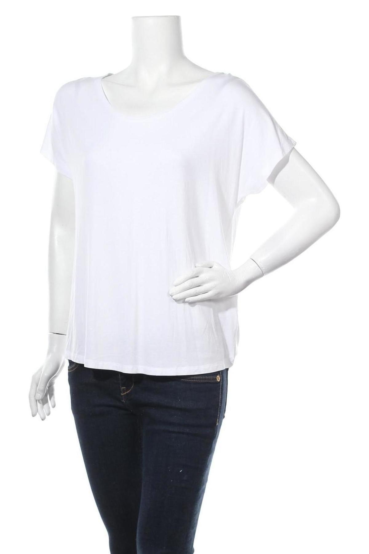 Дамска блуза Betty & Co, Размер M, Цвят Бял, 96% вискоза, 4% еластан, Цена 28,50лв.