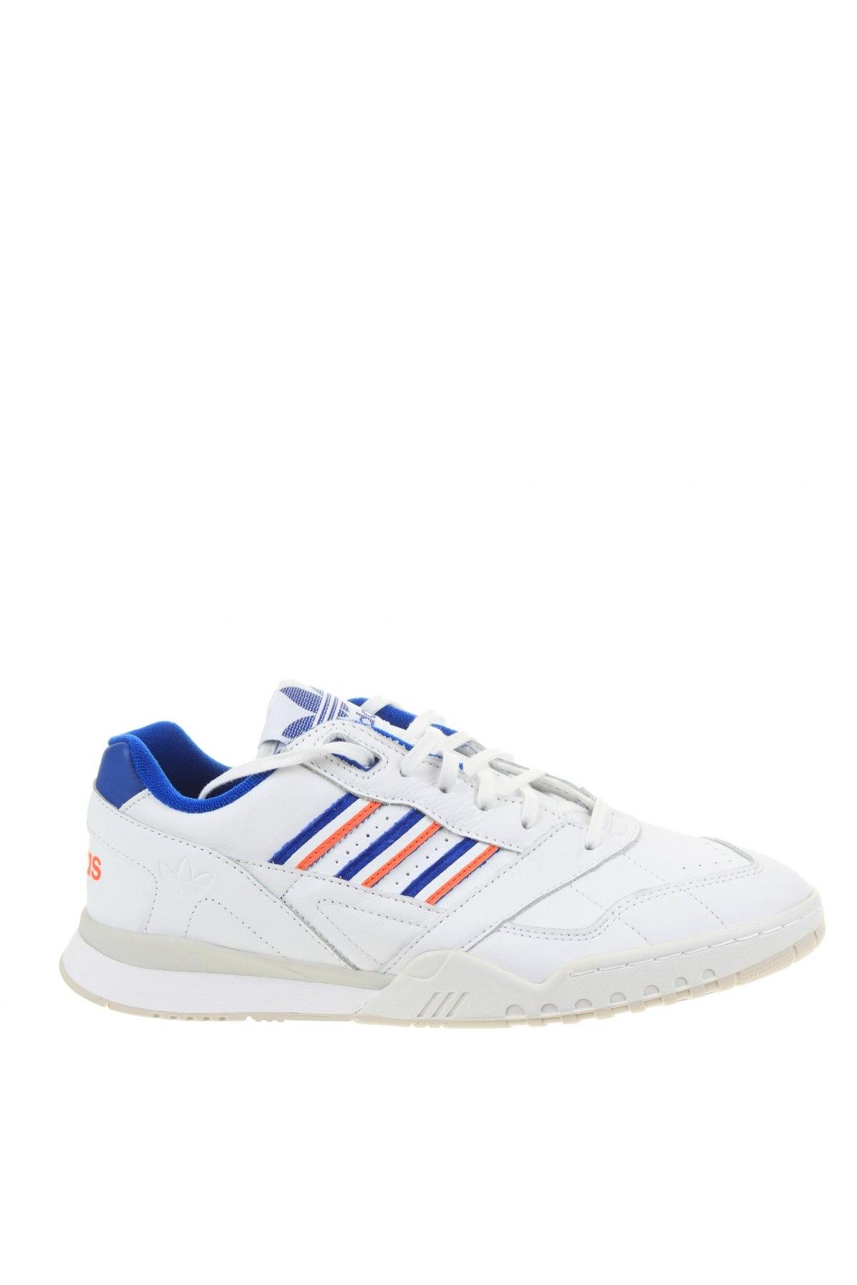 Мъжки обувки Adidas Originals, Размер 43, Цвят Бял, Естествена кожа, Цена 134,25лв.