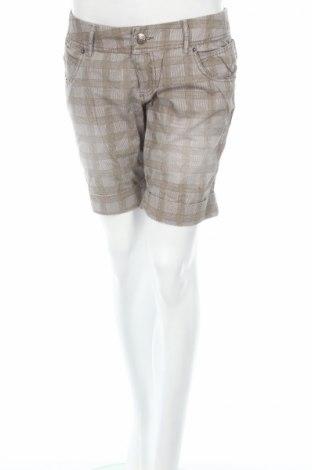 Дамски къс панталон 1982