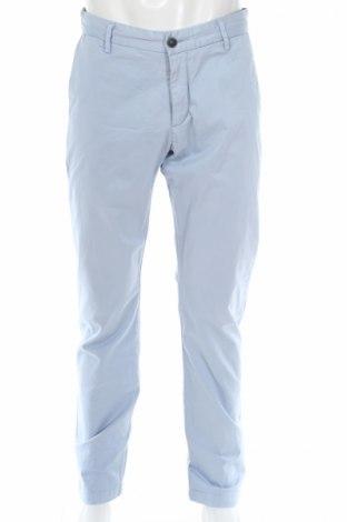 Мъжки панталон Dockers, Размер L, Цвят Син, 97% памук, 3% еластан, Цена 18,70лв.