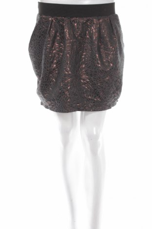 Пола Charlotte Russe, Размер M, Цвят Черен, 88% полиестер, 12% метал, Цена 6,24лв.
