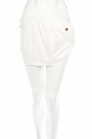 Пола Pull&Bear, Размер S, Цвят Бял, Цена 6,40лв.