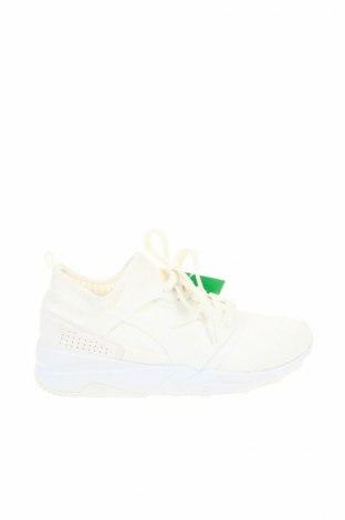 Дамски обувки Diadora, Размер 38, Цвят Бял, Текстил, полиуретан, Цена 63,60лв.