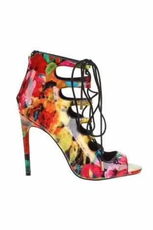 Дамски обувки Steve Madden, Размер 40, Цвят Многоцветен, Еко кожа, Цена 50,40лв.