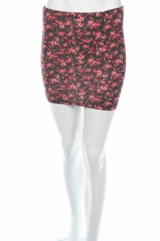 Φούστα Bershka, Μέγεθος S, Χρώμα Πολύχρωμο, 96% βαμβάκι, 4% ελαστάνη, Τιμή 2,81€