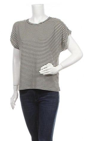 Дамска блуза Closed, Размер L, Цвят Бял, 69% памук, 19% акрил, 4% еластан, 3% вискоза, 3% полиестер, 2% полиамид, Цена 26,88лв.
