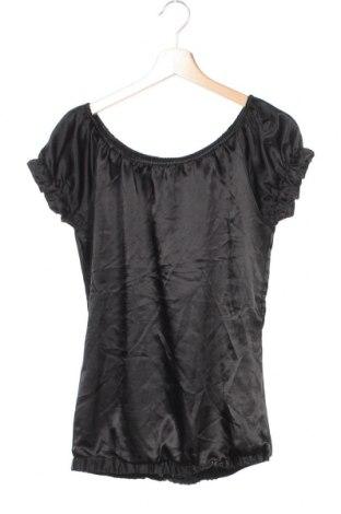 Дамска блуза Jennifer Taylor, Размер XS, Цвят Черен, Цена 13,39лв.