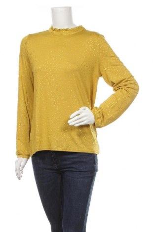 Дамска блуза Soaked In Luxury, Размер XL, Цвят Жълт, 97% вискоза, 3% еластан, Цена 31,05лв.