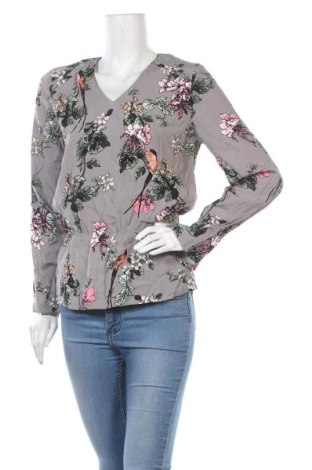 Дамска блуза Soaked In Luxury, Размер S, Цвят Многоцветен, Вискоза, Цена 4,46лв.
