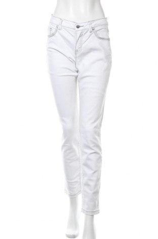Дамски дънки Rick Cardona, Размер M, Цвят Бял, 98% памук, 2% еластан, Цена 24,99лв.
