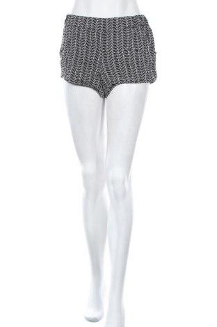 Дамски къс панталон Zebra, Размер S, Цвят Черен, 95% вискоза, 5% еластан, Цена 4,99лв.