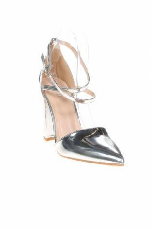 Дамски обувки Raid, Размер 39, Цвят Сребрист, Еко кожа, Цена 44,25лв.