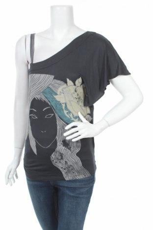 Дамска блуза Attrattivo, Размер M, Цвят Сив, 100% вискоза, Цена 6,83лв.