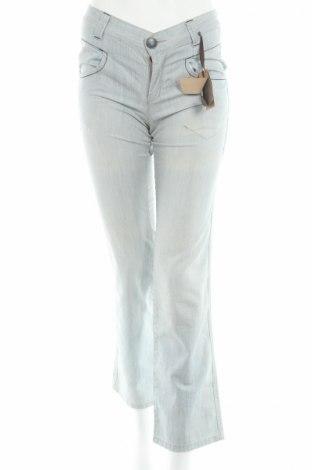 Дамски дънки Ikks, Размер S, Цвят Син, 100% памук, Цена 31,06лв.