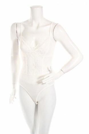Боди New Look, Размер M, Цвят Бял, 88% полиамид, 12% еластан, Цена 23,04лв.