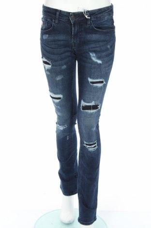 Blugi de femei Guess, Mărime M, Culoare Albastru, 98% bumbac, 2% elastan, Preț 188,29 Lei