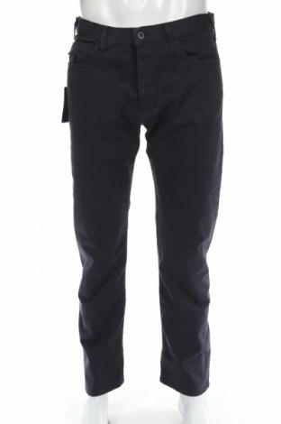 Мъжки панталон Emporio Armani, Размер M, Цвят Син, 96% памук, 4% еластан, Цена 63,60лв.
