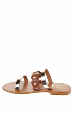 Чехли W.S Shoes, Размер 38, Цвят Златист, Естествена кожа, Цена 76,63лв.