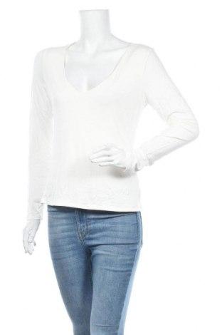 Дамска блуза Charlotte Russe, Размер L, Цвят Бял, 95% вискоза, 5% еластан, Цена 7,56лв.