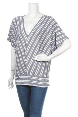 Дамска блуза Studio, Размер L, Цвят Син, 49% вискоза, 47% полиестер, 4% еластан, Цена 6,18лв.