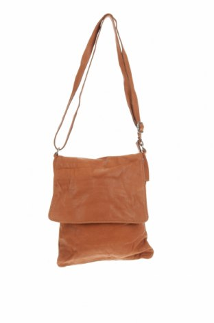 Дамска чанта, Цвят Кафяв, Естествена кожа, Цена 45,89лв.