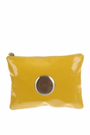 Дамска чанта Mimco, Цвят Жълт, Естествена кожа, Цена 42,84лв.