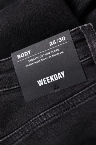 Дамски дънки Weekday, Размер XXS, Цвят Черен, 88% памук, 9% полиестер, 3% еластан, Цена 21,87лв.