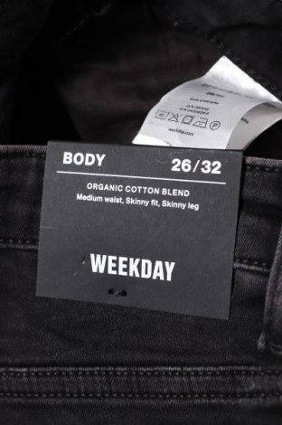 Дамски дънки Weekday, Размер XS, Цвят Черен, 88% памук, 9% полиестер, 3% еластан, Цена 21,87лв.