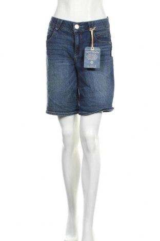 Дамски къс панталон Democracy, Размер XL, Цвят Син, 83% памук, 16% полиестер, 1% еластан, Цена 33,60лв.