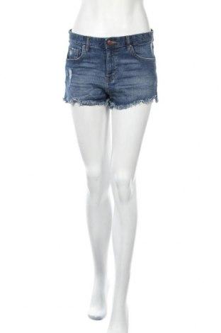 Дамски къс панталон H&M, Размер M, Цвят Син, 99% памук, 1% еластан, Цена 15,12лв.
