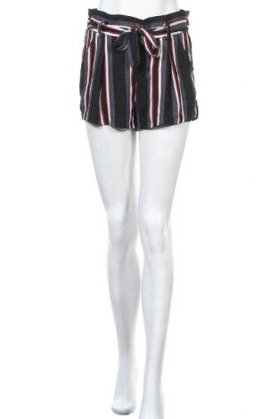Дамски къс панталон Hot Kiss, Размер M, Цвят Многоцветен, Полиестер, Цена 10,92лв.