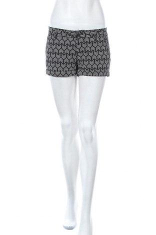 Дамски къс панталон So, Размер S, Цвят Черен, 98% памук, 2% еластан, Цена 26,25лв.