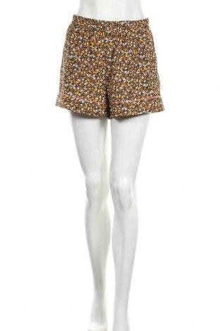 Дамски къс панталон Soaked In Luxury, Размер M, Цвят Многоцветен, Полиестер, Цена 9,45лв.