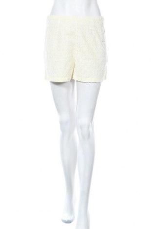 Дамски къс панталон Topshop, Размер S, Цвят Бял, 62% памук, 31% полиестер, 7% вискоза, Цена 18,74лв.
