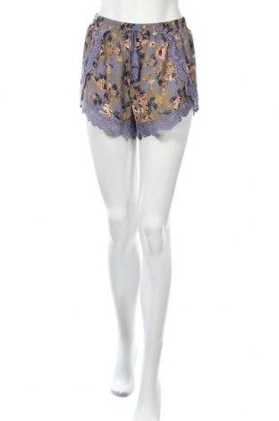 Дамски къс панталон Xhilaration, Размер M, Цвят Многоцветен, Полиестер, Цена 18,90лв.