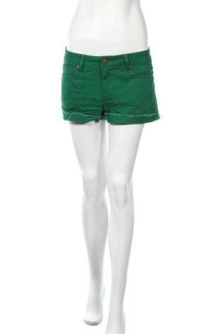 Дамски къс панталон Xxi, Размер M, Цвят Зелен, 98% памук, 2% еластан, Цена 19,85лв.