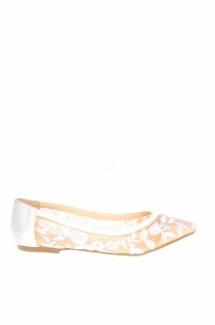 Дамски обувки Betsey Johnson, Размер 36, Цвят Бял, Текстил, Цена 22,42лв.