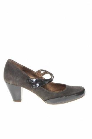 Дамски обувки Clarks, Размер 41, Цвят Сив, Естествена кожа, естествен велур, Цена 55,50лв.