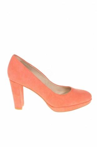 Дамски обувки Clarks, Размер 38, Цвят Розов, Естествен велур, Цена 59,25лв.
