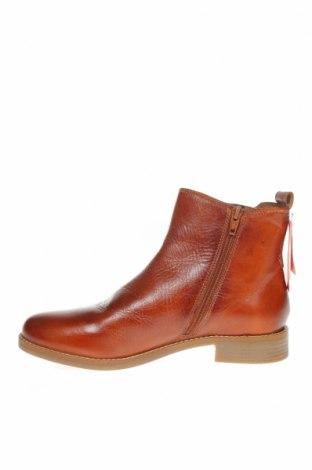 Дамски обувки S.Oliver, Размер 39, Цвят Кафяв, Естествена кожа, Цена 159,00лв.