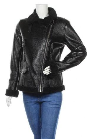 Дамско кожено яке Bershka, Размер S, Цвят Черен, Еко кожа, Цена 74,00лв.
