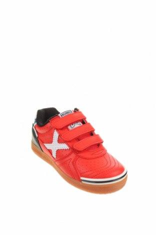 Детски обувки Munich, Размер 27, Цвят Червен, Еко кожа, текстил, Цена 40,94лв.