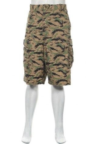 Мъжки къс панталон Levi's, Размер XL, Цвят Многоцветен, 75% памук, 25% полиестер, Цена 35,91лв.
