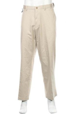 Мъжки панталон Haggar, Размер XL, Цвят Бежов, 61% памук, 37% полиестер, 2% еластан, Цена 14,70лв.
