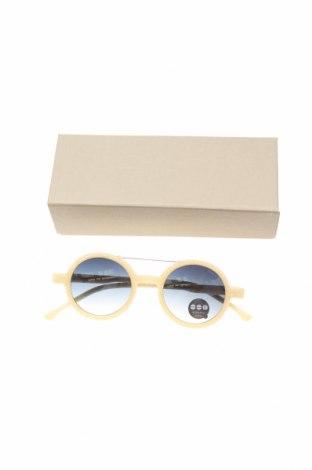 Слънчеви очила Komono, Цвят Екрю, Цена 81,75лв.