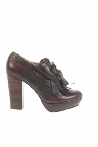 Γυναικεία παπούτσια Frye